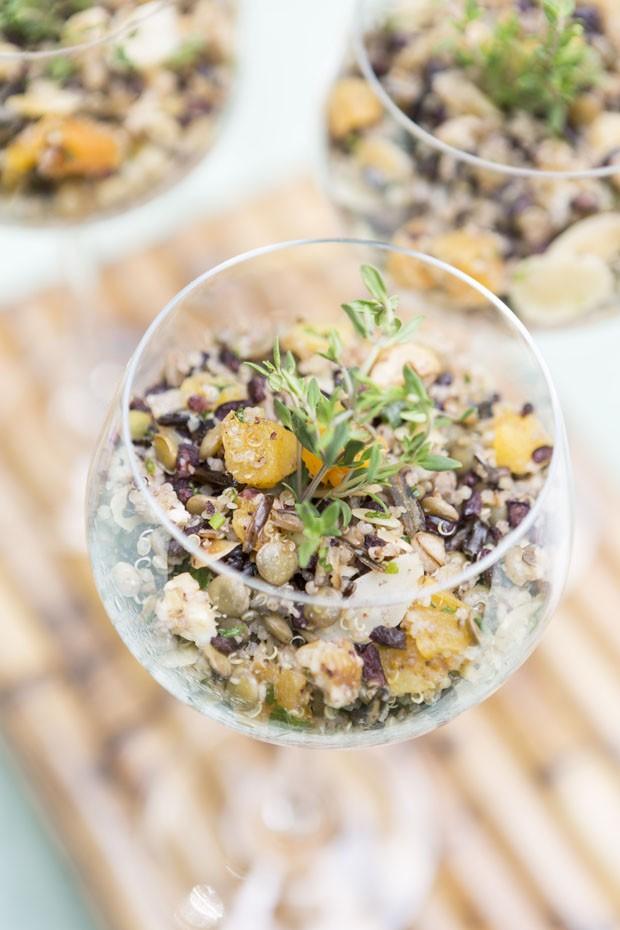 Aprenda a preparar uma salada de mil grãos saudável e saborosa (Foto: Douglas Daniel)
