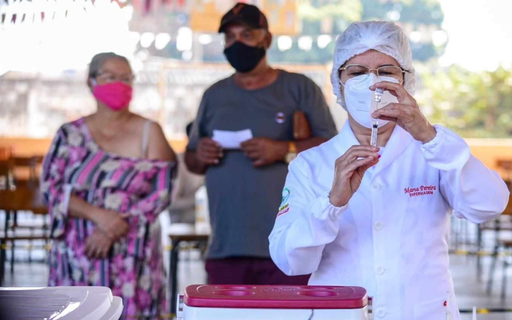 Goiânia segue vacinação contra Covid-19 para moradores a partir de 33 anos que já estão agendados