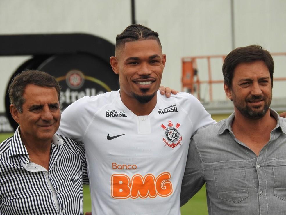 Júnior Urso vestiu a camisa do Corinthians — Foto: Marcelo Braga