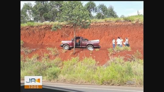Corpo de idoso de 71 anos é encontrado dentro de caminhonete em estrada de Içara
