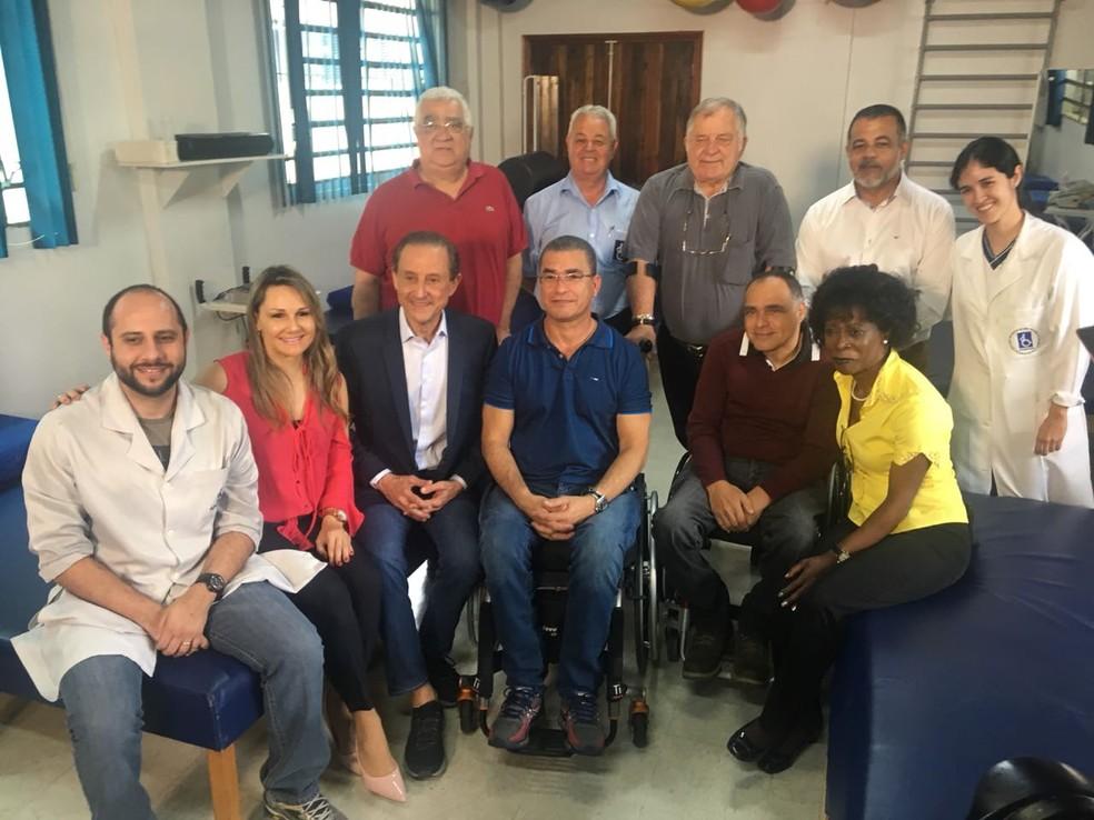 Paulo Skaf (MDB) visita Associação dos PMs Portadores de Deficiência do Estado de São Paulo (Foto: Giba Bergamim/TV Globo)