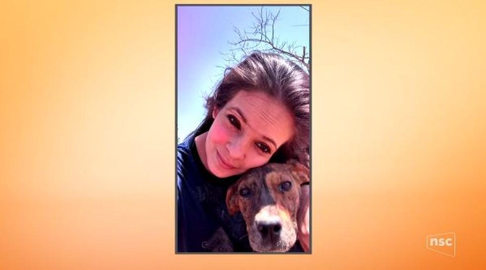Chaiane Til, de 23 anos, foi deixada morta em hospital (Foto: Reprodução/NSC TV)