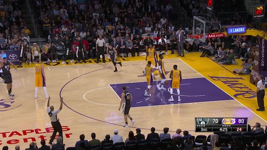 Em grande noite de Russell, Lakers passam pelos Nets e sobem no Oeste