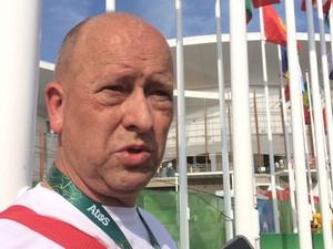 Técnico de ginástica da Grã-Bretanha, Chris Adams estava perto do local onde a câmera desabou (Foto: Matheus Rodrigues/G1)