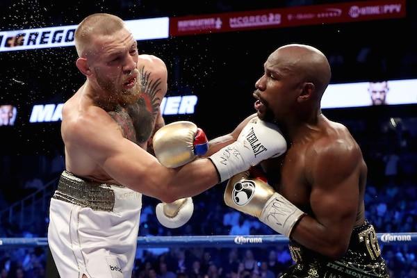 A luta entre Conor McGregor e Floyd Mayweather (Foto: Getty Images)