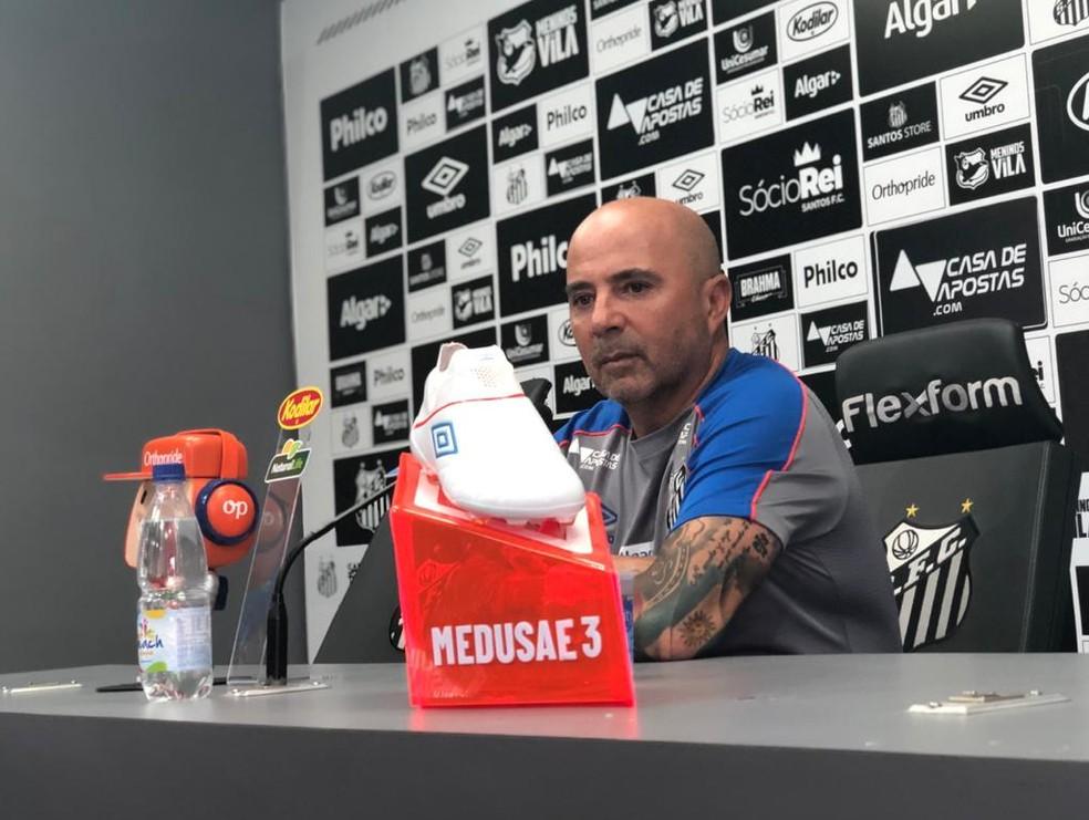 Jorge Sampaoli concede entrevista no Santos  Foto Gabriel dos Santos