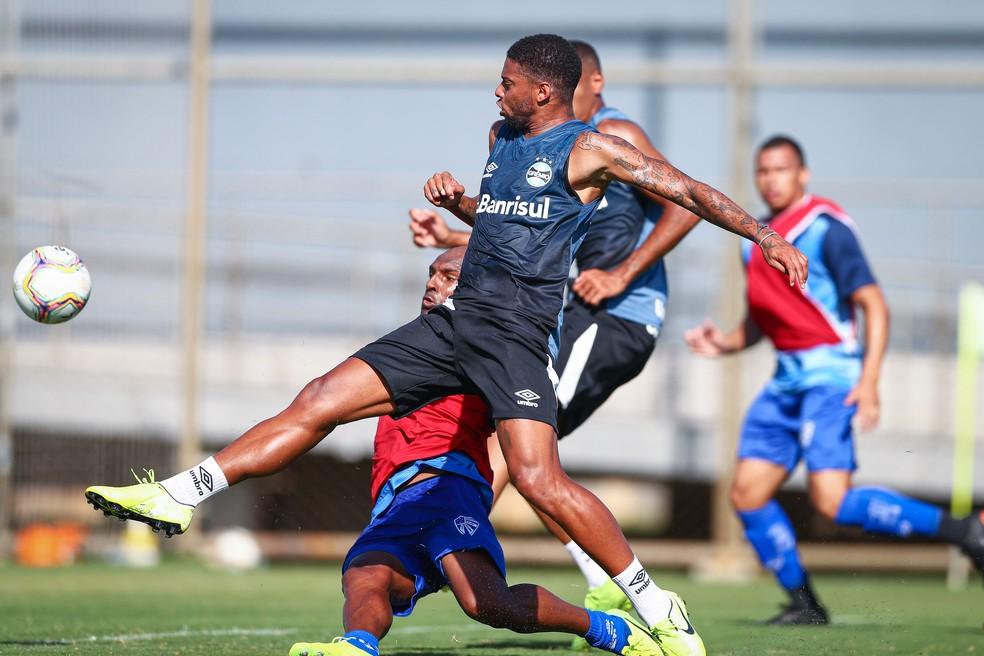 André em jogo-treino contra o Cruzeiro-RS, na última terça — Foto: Lucas Uebel / Grêmio FBPA