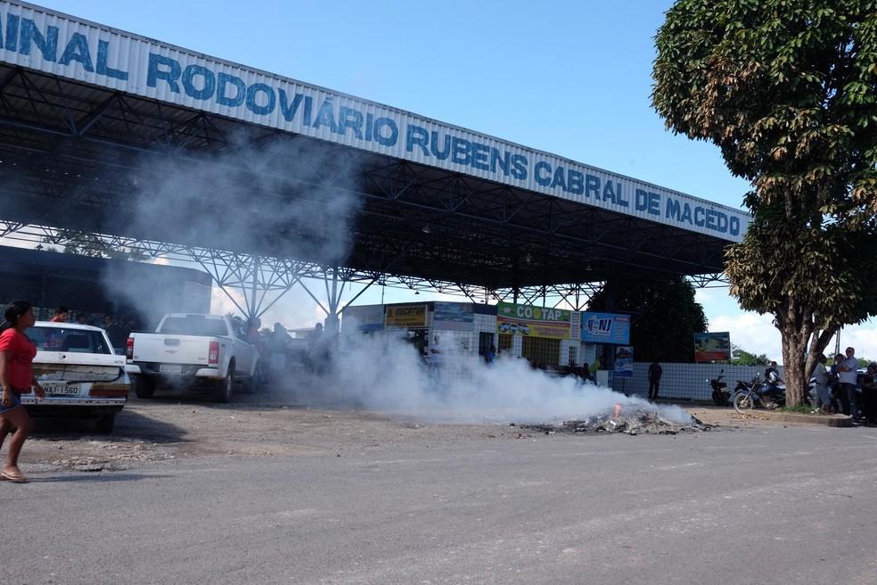 Vândalos destroem objetos e expulsam venezuelanos de Pacaraima, Norte de Roraima (Foto: Inaê Brandão/G1 RR)