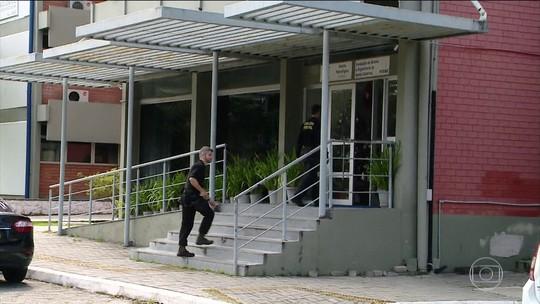 PF faz operação contra desvios de verba em fundações de apoio da UFSC