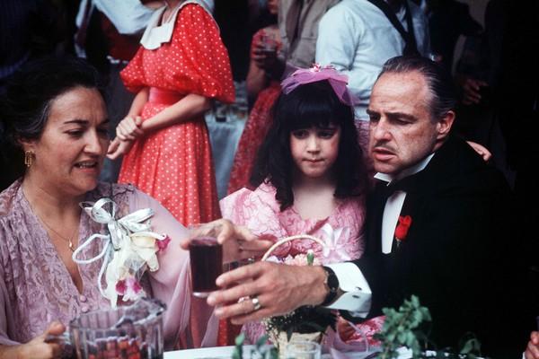 A atriz Morgana King ao lado de Marlon Brando em cena do clássico O Poderoso Chefão (1972) (Foto: Reprodução)