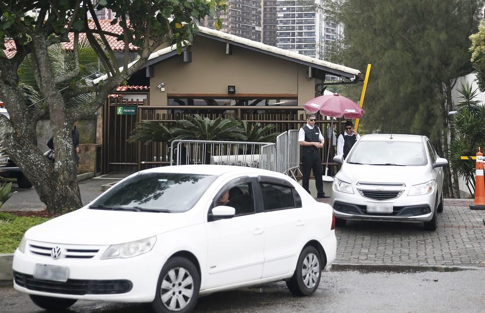 Condomínio Vivendas da Barra, no Rio, onde suspeitos da morte de Marielle Franco se encontraram — Foto: Tânia Rêgo/Agência Brasil