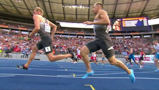 Maratonista supera sangue no nariz e erro de percurso para levar o ouro no Europeu