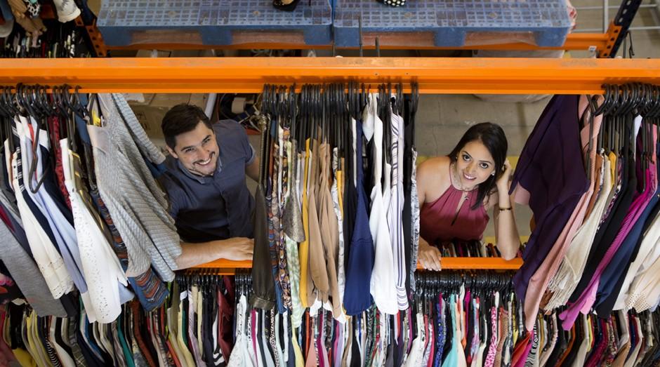 Henrique e Luanna Domakoski, do Troc: economia colaborativa para consumidores de moda premium  (Foto: Guilherme Pupo)