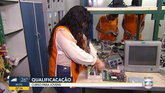 Centro oferece cursos profissionalizantes gratuitos para jovens no Grande Recife