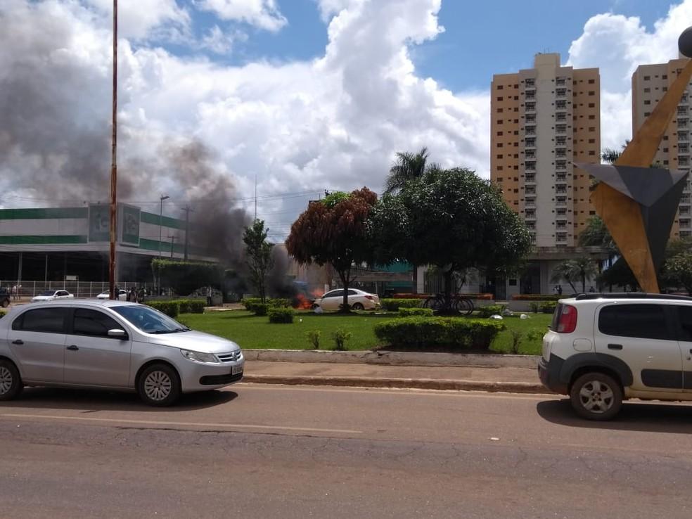 Caso aconteceu na Avenida Jorge Teixeira com 7 de Setembro, em Porto Velho. — Foto: Ana Paula Galvão/Rede Amazônica