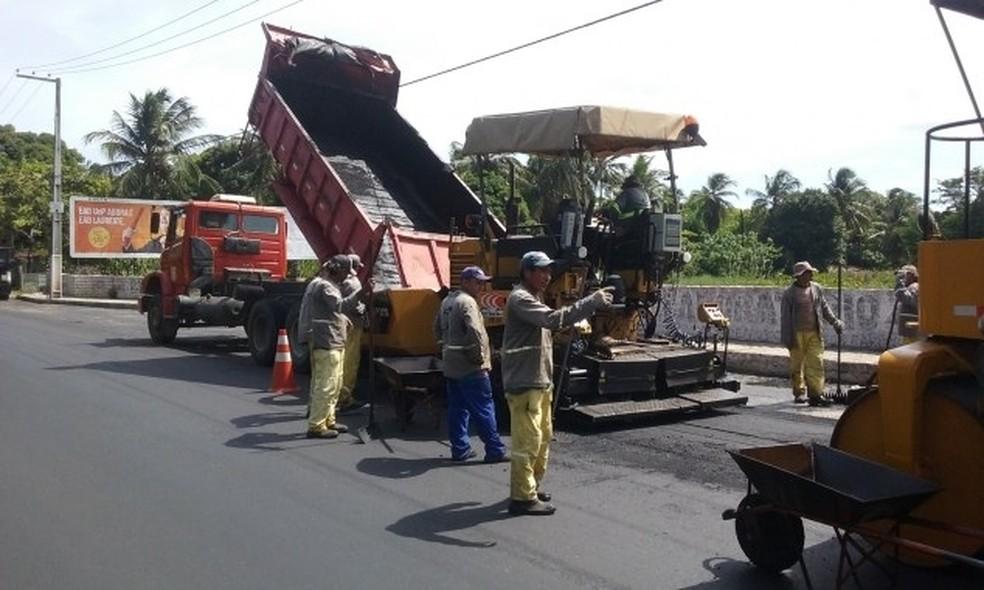 Serviços que começam nesta segunda (27) devem concluir recapeamento iniciado em 2016, na avenida Ayrton Senna, em Natal (Foto: Divulgação/Prefeitura de Natal)