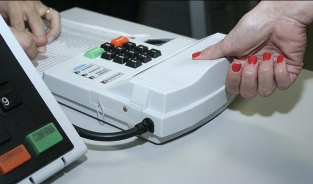 Equipamento de biometria usado para identificar os eleitores (Foto: Divulgação/TSE)