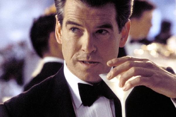 O ator Pierce Brosnan como o espião James Bond (Foto: Reprodução)