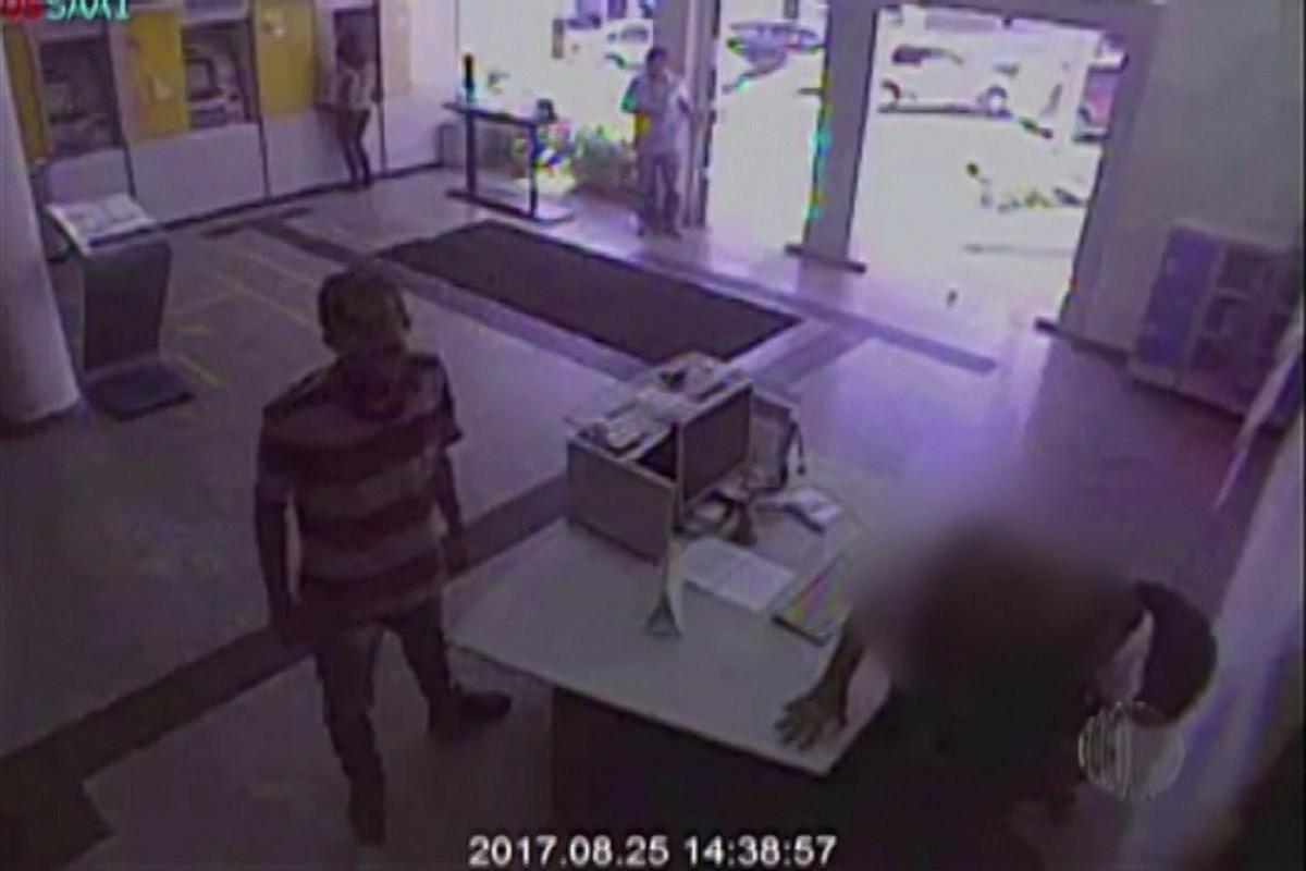 Polícia Civil de Mogi divulga imagens de quadrilha especializada em roubo à banco