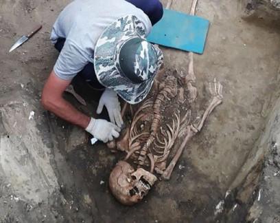 Guerreira de 2 mil anos é encontrada na Rússia com joias do Império Romano: veja fotos