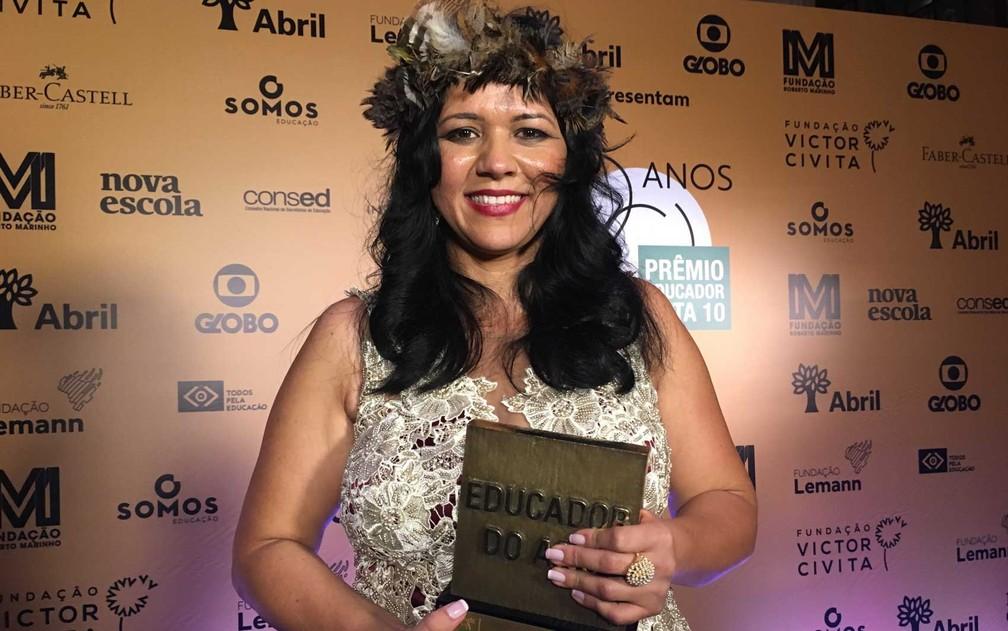 Elisângela Dell-Armelina Suruí, de 38 anos, foi premiada por seu projeto de alfabetização na língua indígena Paiter Suruí em Cacoal.  (Foto: Carol Moreno / G1)