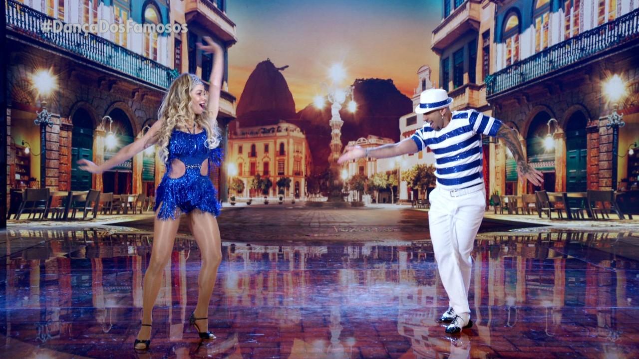 Danielle Winits e Fernando Schellemberg dançam samba