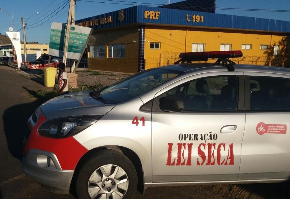 Operação foi realizada em Serra Talhada (Foto: Divulgação/PRF)