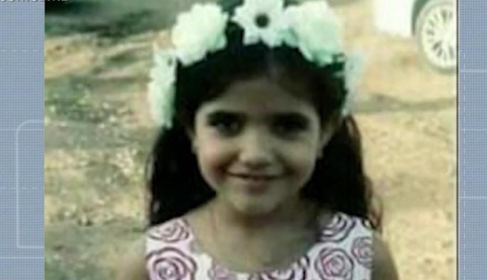 Gabriele, 8 anos, desapareceu em naufrágio de canoa no Rio Paraguaçu — Foto: Reprodução/TV Bahia
