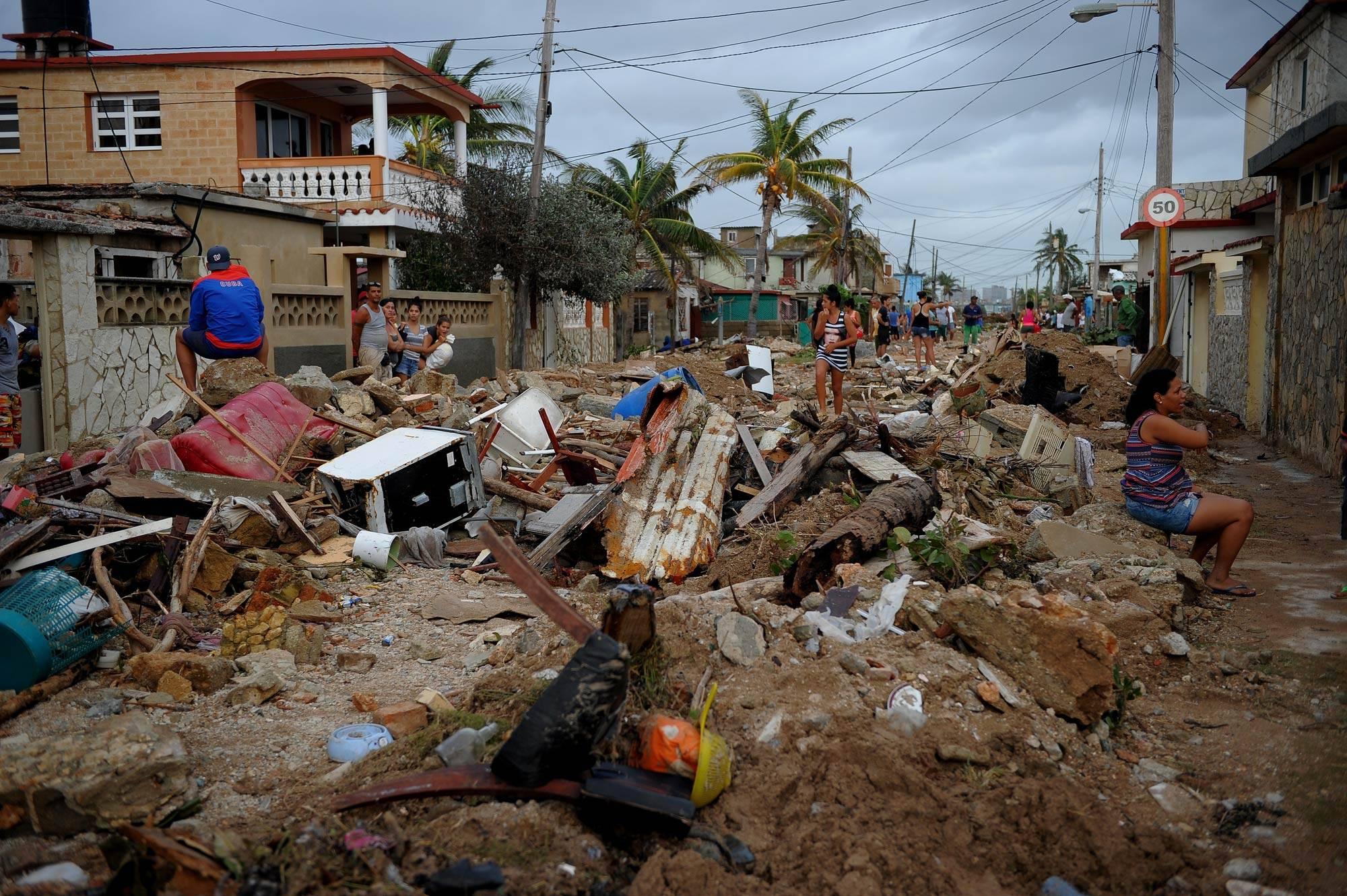 Destruição causada pela passagem do furacão Irma no bairro de Cojimar, em Havana (Cuba)