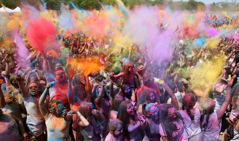 Espanha celebra 'festival das cores' (Foto: Albert Gea/Reuters)