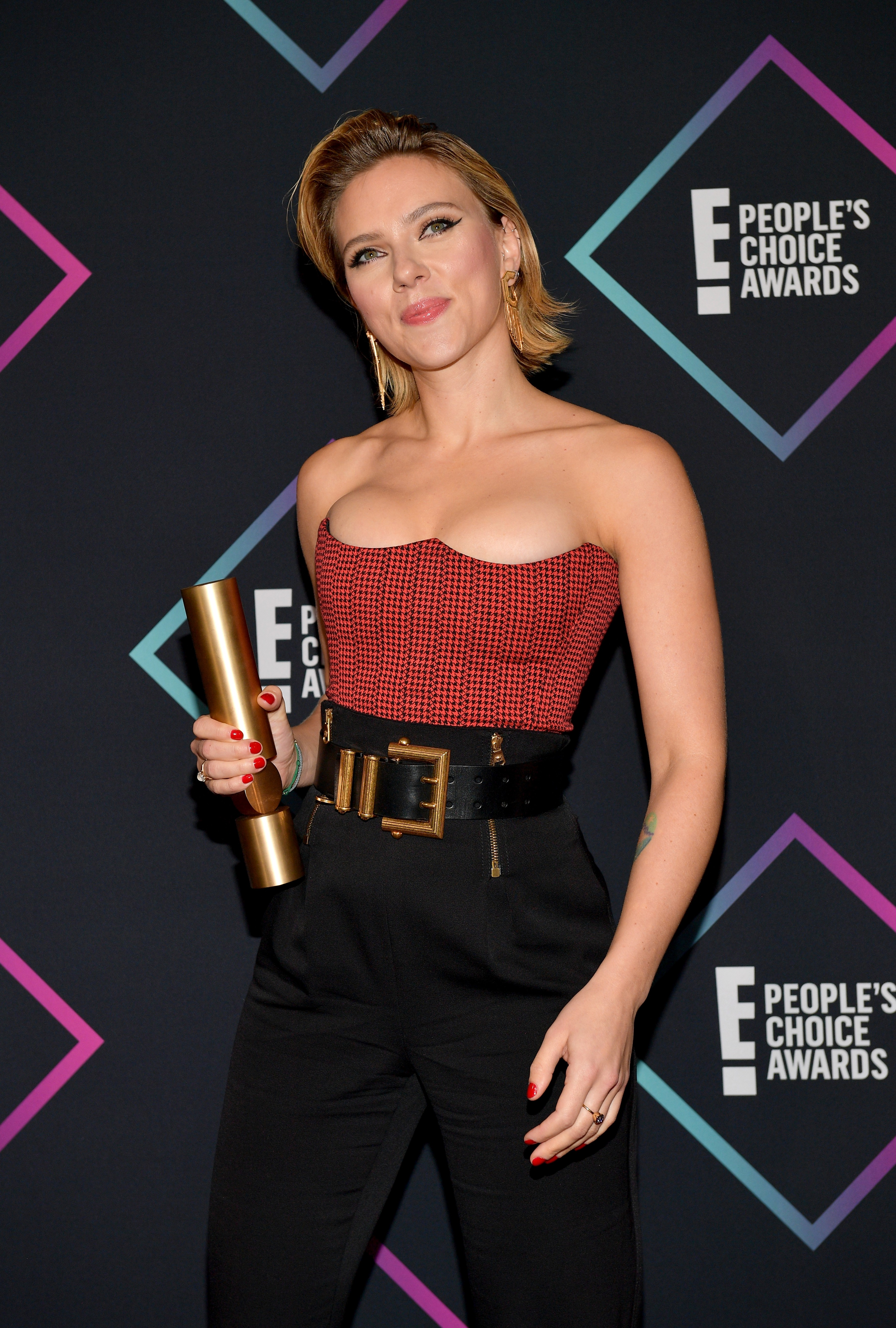 A atriz Scarlett Johansson durante o E! People's Choice Awards 2018 (Foto: Getty Images)