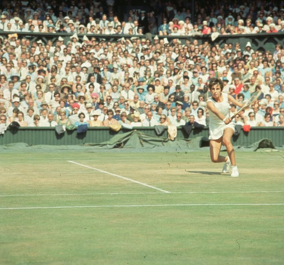 Maria Esther Bueno em Wimbledon, em 1966 (Foto:  Leonard Burt/Getty Images)
