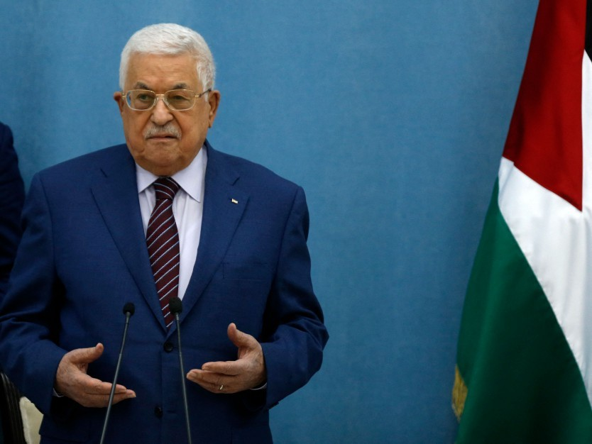 Presidente da palestina, Mahmoud Abbas, durante oração que antecedeu encontro do Fatah para discutir escalada entre Israel e o Hamas