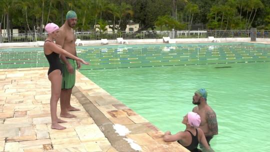 Aula experimental: Minotauro e Minotouro se arriscam no nado sincronizado