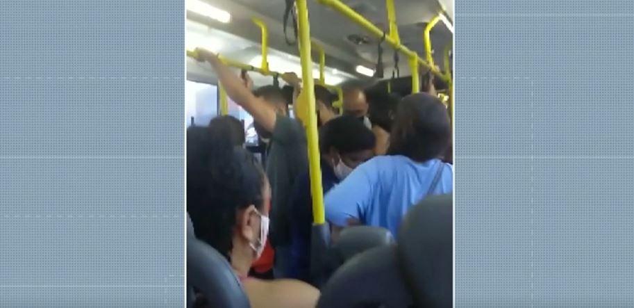No segundo dia de fase vermelha, Campinas tem ônibus lotado e reclamação de usuários