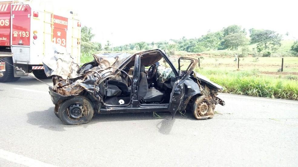 Jovem ficou dois dias presos no carro após o acidente (Foto: Divulgação)