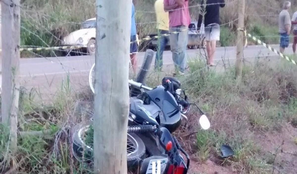 Motociclista morre ao bater em poste na RJ-214, em Varre-Sai