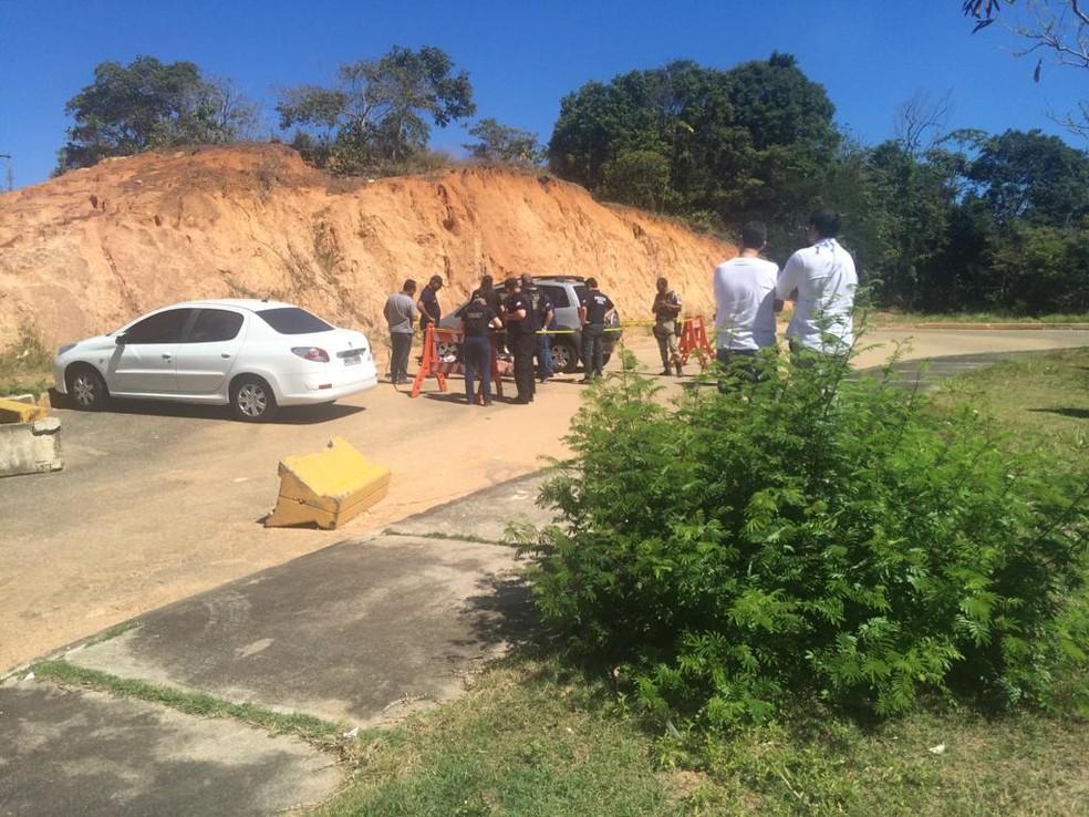 Crime ocorreu na manhã desta sexta-feira (5), no bairro de Patamares, em Salvador — Foto: Eduardo Barbosa/ TV Bahia