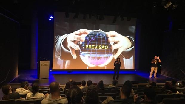 Dora Kaufman apresentou palestra sobre inteligência artificial no Sesc 24 de Maio, em São Paulo (Foto: Divulgação)