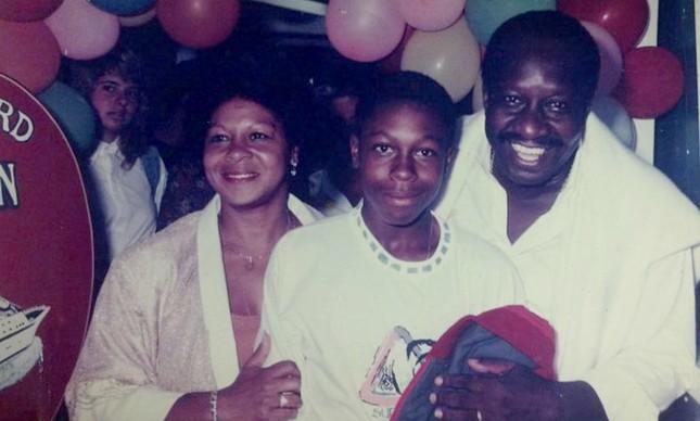 Mussum ao lado de sua mulher Neila Gomes do filho Sandro Gomes