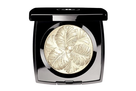 Camélia de Plumes Highlighting Powder, Chanel (US$ 70 na Macy´s)