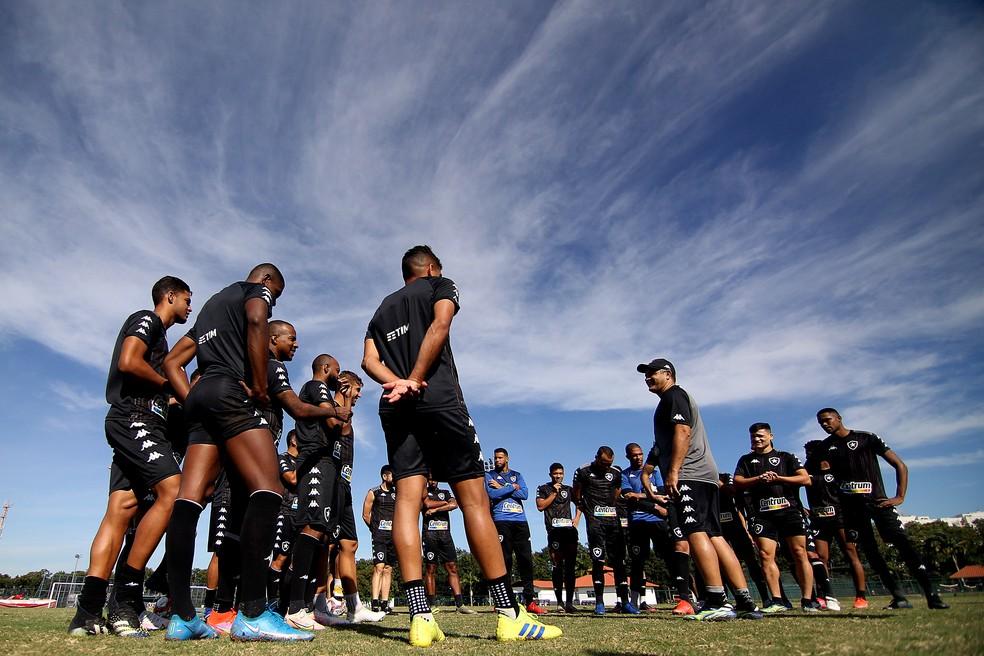Viagens em sequência na Série B prejudica preparação do Botafogo — Foto: Vitor Silva/Botafogo