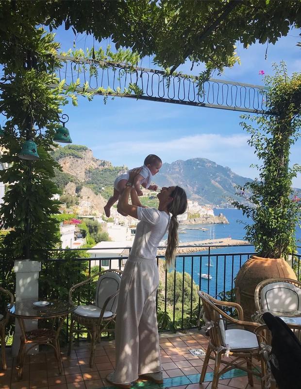 Mari Weickert com a filha (Foto: Instagram/Reprodução)