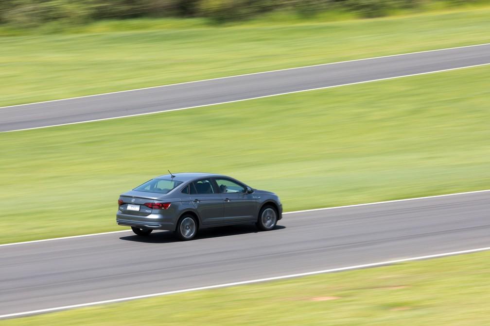 Desempenho é ponto forte do Volkswagen Virtus (Foto: Marcelo Brandt/G1)