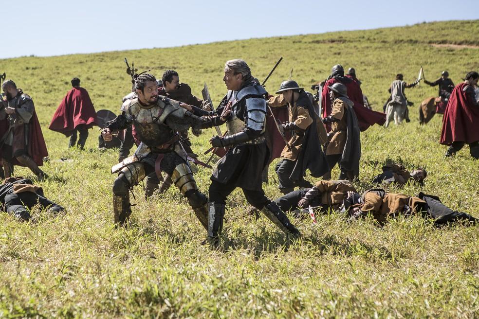 Afonso e Otávio tem briga feia!  (Foto: Artur Meninea/Gshow)