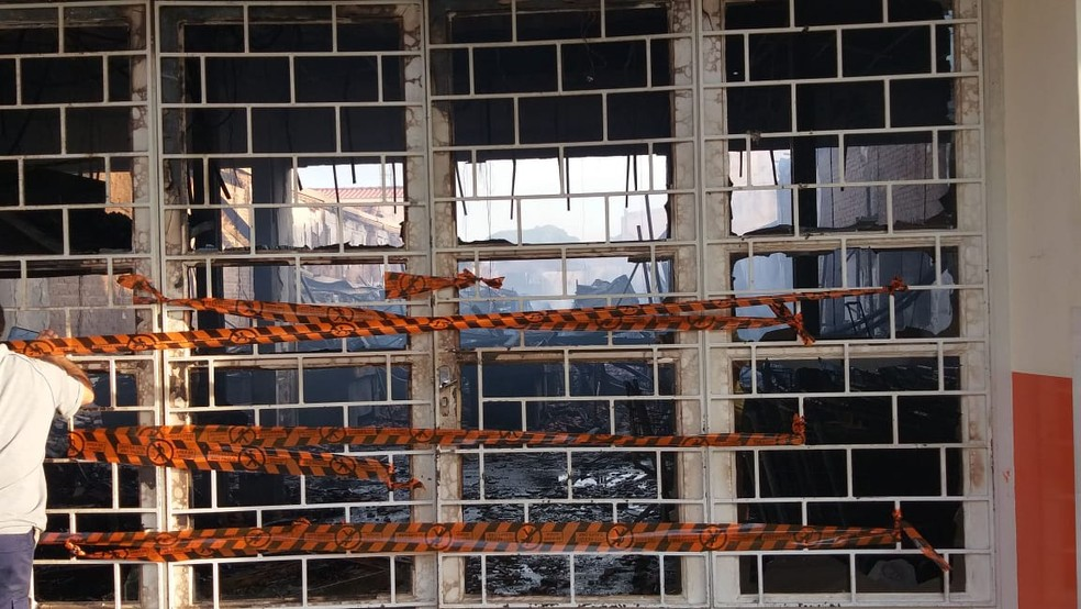Defesa Civil foi até o supermercado para avaliar estrutura em Tietê — Foto: Arquivo Pessoal