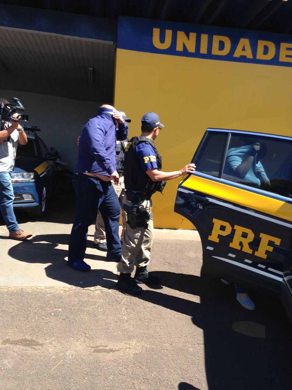 PRF prende trio de Londrina suspeito de aplicar golpe do bilhete premiado
