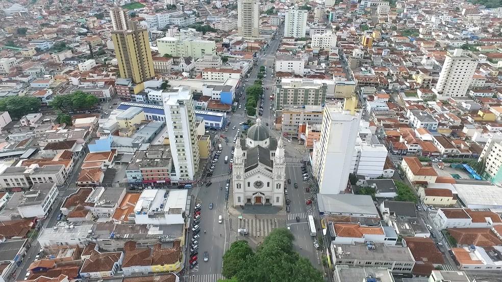 Pouso Alegre faz contratações emergenciais para o combate ao coronavírus | Sul de Minas | G1