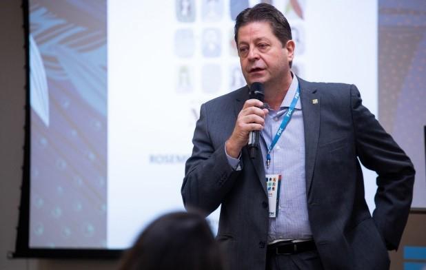 Luiz Cornacchioni discursa na abertura das aulas (Foto: Divulgação)
