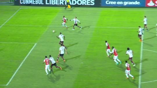 Ponto fora de casa não mascara péssimas fases individuais e coletiva do Flamengo